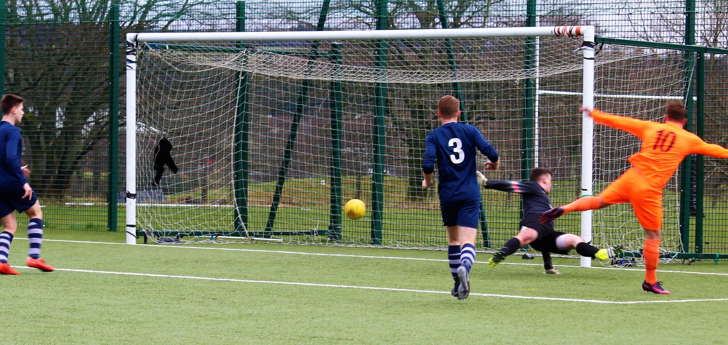 Doune Castle's David Goodwillie makes it 1 - 1 against Strathclyde University